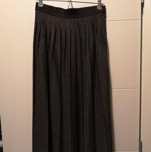 LOFT Skirts - LOFT pleated Maxi skirt